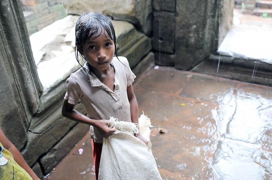 摄影师实拍柬埔寨人民贫穷生活(组图)