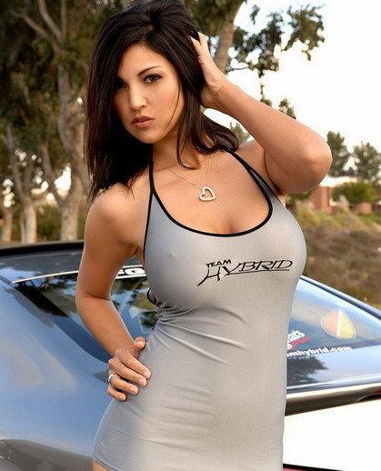 感情加火辣欧美女性紧身衣车模词语包裹的性感比喻图片
