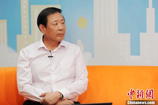 2013年5月14日,中国战略文化促进会常务副会长兼秘书长罗援少将做客中新网《新闻大家谈》,解读近期中日关系。中新网记者 张龙云 摄