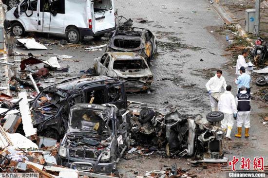 雷伊的死亡_雷伊汉勒,靠近叙利亚边境,发生两起汽车炸弹爆炸事件,导致50人死亡,多