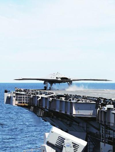 """美国 布什/X/47B从""""乔治·布什""""号航空母舰起飞"""