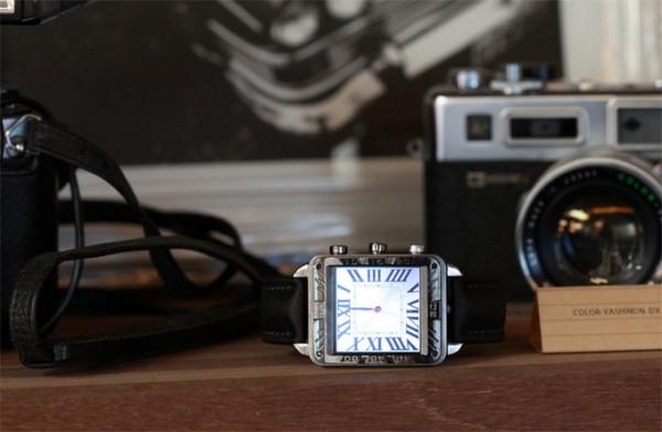 反向切入智能手表领域:先做精美手表再让它智能