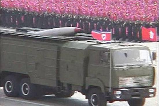 """朝鲜阅兵中公开亮相的""""劳动""""导弹。"""