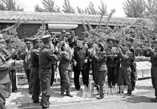 金正恩前中视察朝鲜人民军405部队。