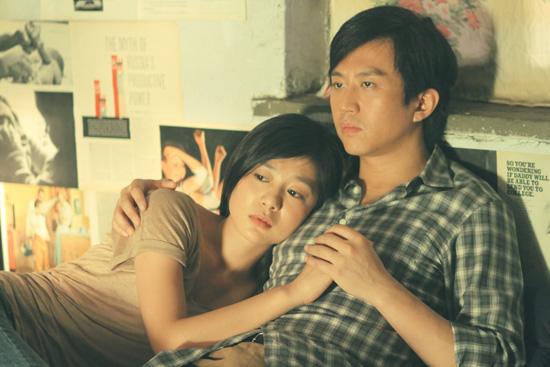 王振在《中国合伙人》中饰演邓超的伴侣
