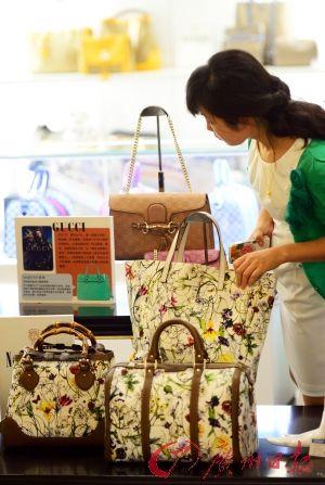 杭州联华超市储值卡_奢侈品入场日用百货超市看中物卡消费-搜狐财经