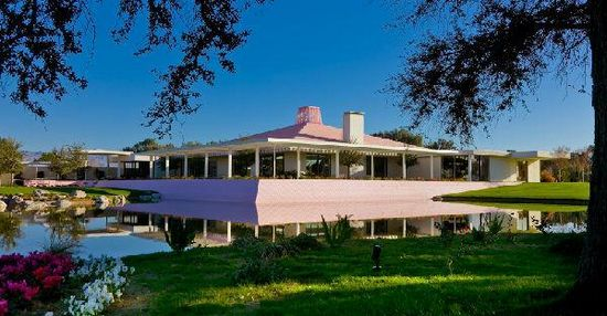 安纳伯格庄园外景图。该庄园曾接待大量美国和世界政要。