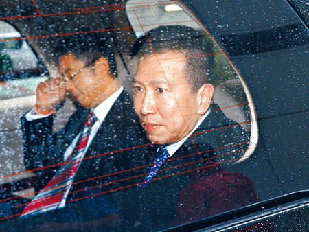 陈振聪右昨到庭应讯。香港星岛日报图