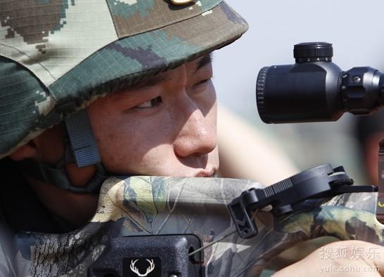 对决:弓弩射击03 宋晓东-士兵突击16强化身拆弹部队 高科技战场激