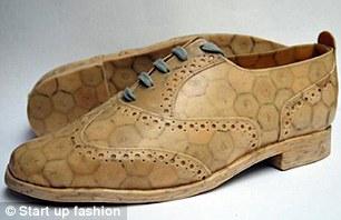 用红酒瓶塞制作的男鞋