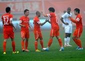 中超图:青岛中能1-0上海东亚 主队庆祝进球