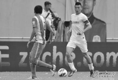 """如果不能尽快走出困境,阿尔滨的2013赛季就可以用""""失望""""来形容了。OSPORTS供图"""
