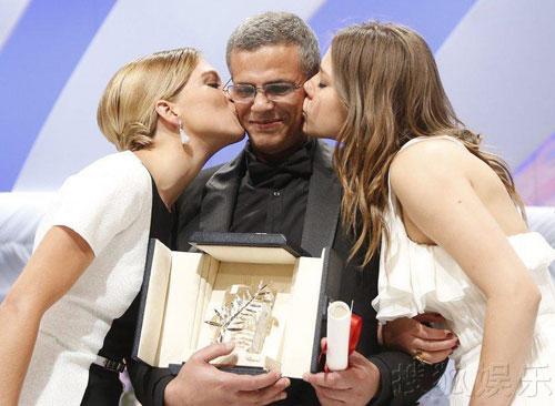 清澈美丽的女同电影《阿黛尔的生活》斩获金棕榈大奖,可谓众望所归