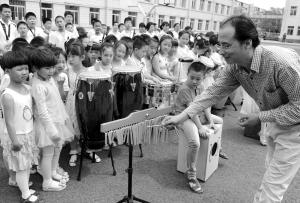 儿童节送新年级够50人用的打击乐器(图)礼物小学三.关键期图片