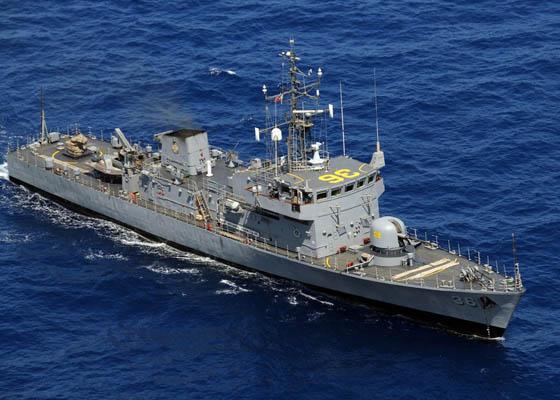 资料图:欲侵我仁爱礁三艘菲军舰真容。
