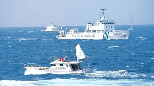 美日舰艇在钓鱼岛附近海域巡弋欲拦截中国渔民