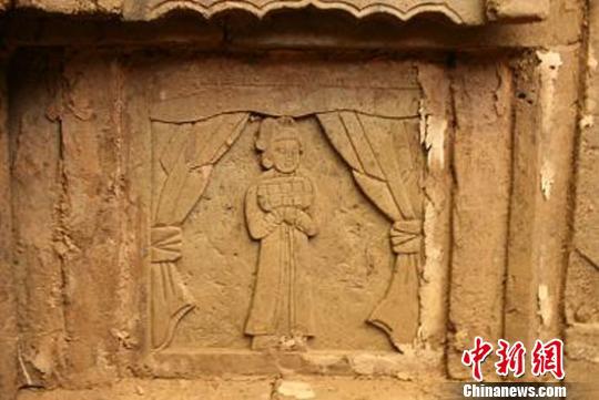 甘肃 临夏/甘肃临夏近日发现一座古墓葬,初步判定为金代砖雕墓。图为墓室...