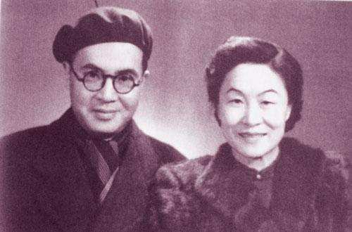 钱钟书先生和杨绛先生合影 翻拍