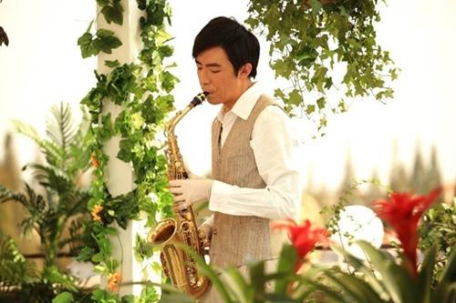 俞灏明《爱在春天》吹萨克斯