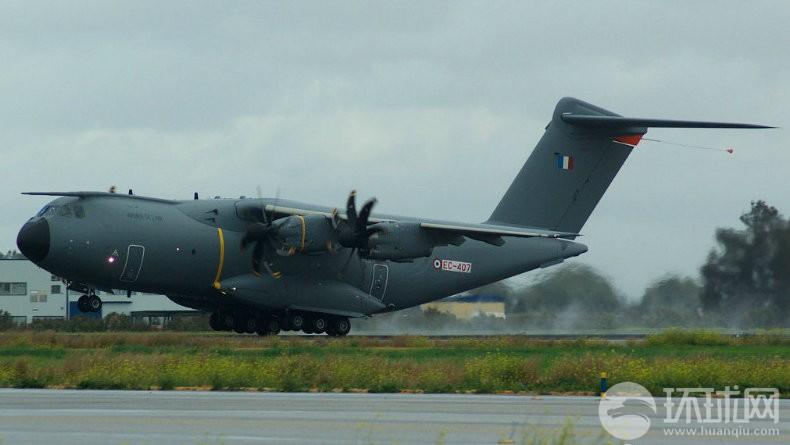 在�z(c_倍受瞩目的a400m军用运输机将在不久后交付首架飞机.