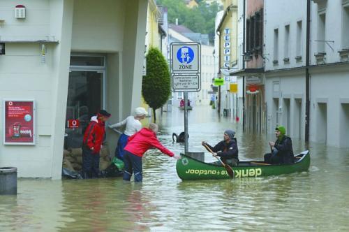 6月3日,德国南部的帕绍市遭遇洪水袭击。