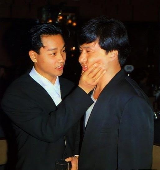 吴君如搞笑电影_邓小平生前唯一的一张和电影演员的合影(图)-搜狐滚动