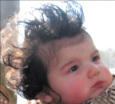 """发型/亲子网站""""MommyShorts""""近日举办的""""最奇葩的婴儿发型"""",..."""