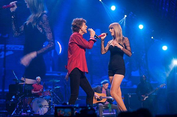 泰勒斯威夫特与滚石主唱与Mick Jagger