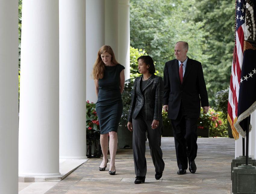 赖斯/2013年6月5日,苏珊·赖斯(中)来到美国白宫玫瑰园。