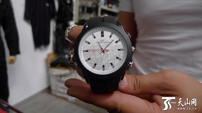 偷拍手表买_偷拍用的手表,摄像头在表盘12时刻位置上