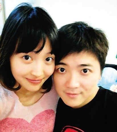 短发杨洋与男友小邓