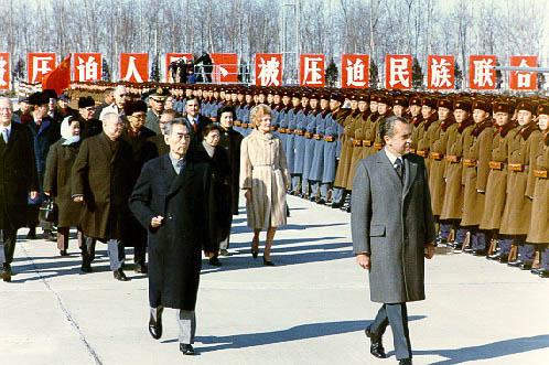 中国四代领导人与中美关系 都曾面临动荡局面图片