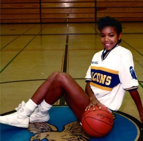 曾是篮球健将