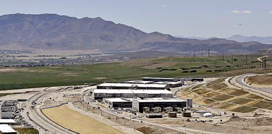 图:美国家安全局在犹他州的数据中心/美联社