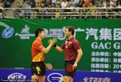 图文:中国乒乓球赛落幕 马龙波尔庆祝
