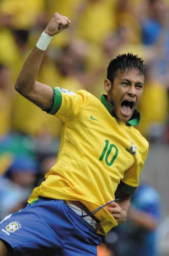 巴西队 保利尼奥图片