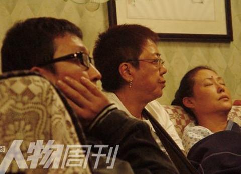 左起:李樯与许鞍华、斯琴高娃拍摄《姨妈的后现代生活》。