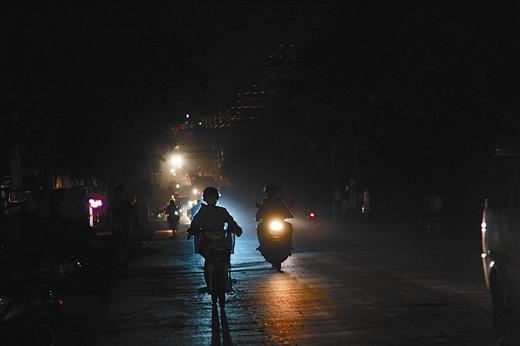 梦见晚上出门没有路灯