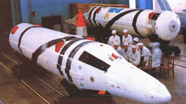 资料图:中国巨浪战略导弹。