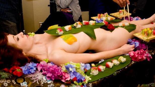 人体寿司宴一顿超100万 搜狐财经