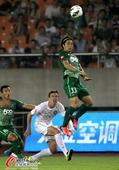 中超图:绿城2-1国安 汪嵩跳起奋力争头球