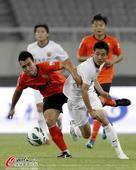 中超图:上海东亚1-0武汉卓尔 赵源煕卖力防守