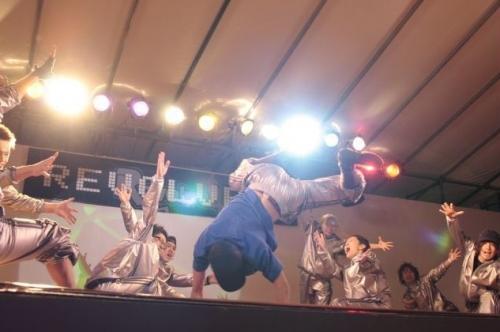 古川雄辉09学年庆应大学三田祭作为舞社社长的最后出演,亲自编排精彩绝伦