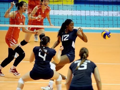 中美超级女排对抗赛 美国队失误