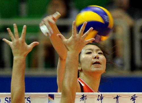 中美超级女排对抗赛 杨珺菁扣球