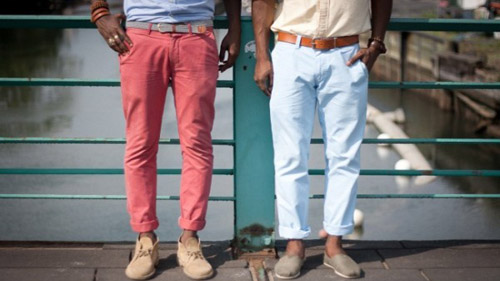 九分裤搭配t恤,衬衫,皮鞋