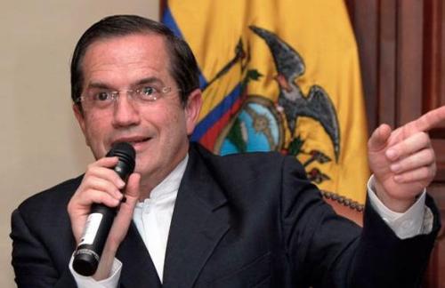 厄瓜多尔外交部长里卡多 巴蒂诺