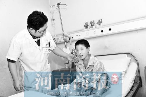 患肺癌的10岁小患者已有好转 河南商报记者 邓万里/摄