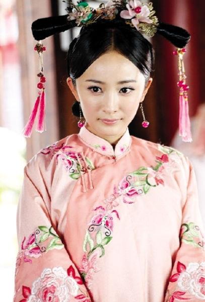 """杨幂/2006年因出演《神雕侠侣》中""""小东邪""""郭襄而受到观众的关注,..."""