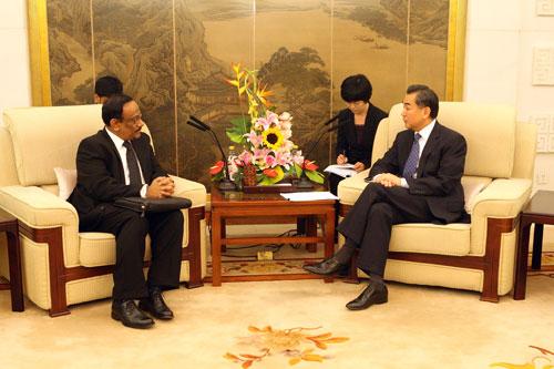 王毅部长会见孟加拉国外秘